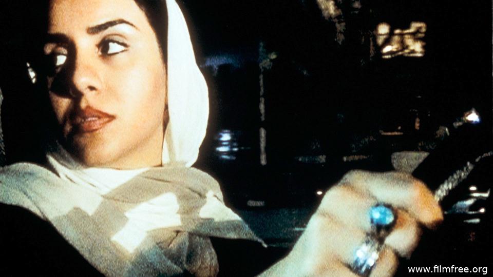টেন । অভিনেত্রী : মনিয়া আকবরি । ফিল্মমেকার : আব্বাস কিয়ারোস্তামি