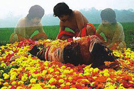 ব্ল্যাকআউট । সদ্যতারুণ্য পেরুনো যুবকের পুরুষালি মনো-দৈহিক প্রাত্যহিকতার নির্জলা বিবরণ